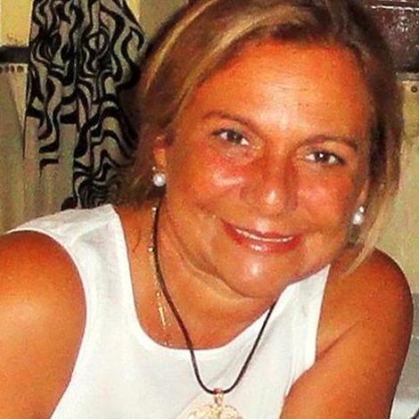 Ana de Spínola - Sócia Fundadora Dentarmed